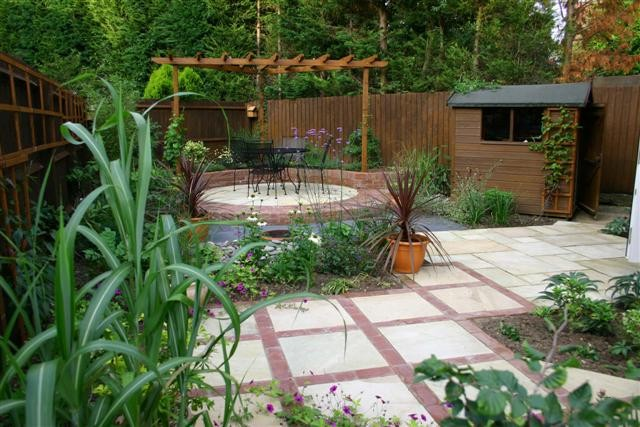Mal inspirace pro nepravideln pozemek my a zahrada for Landscaping ideas for very small areas